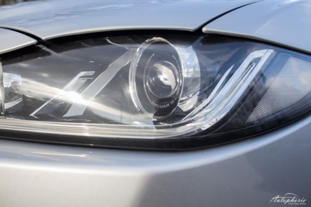 Jaguar XE S Scheinwerfer