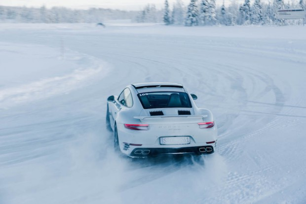 porsche-driving-experience-schnee-911-turbo-s-drift-allrad