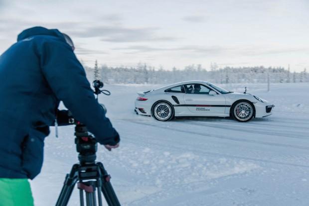 Autophorie wird gefilmt Porsche Ice Force