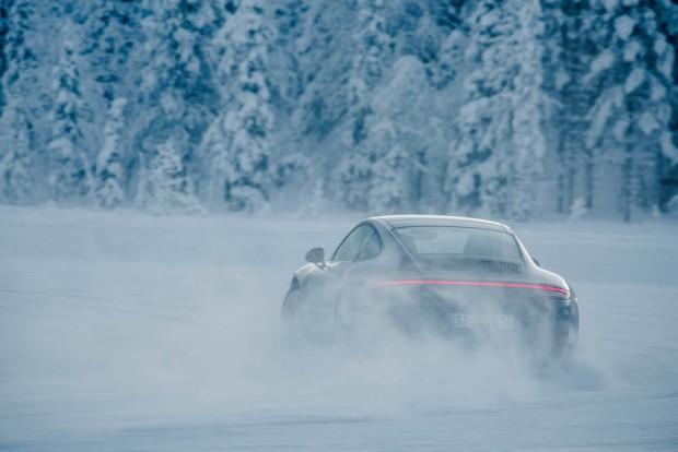 porsche-driving-experience-schnee-carrera-4s