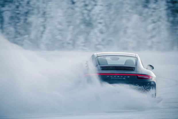 Porsche Ice Force Autophorie Drift Kreisel