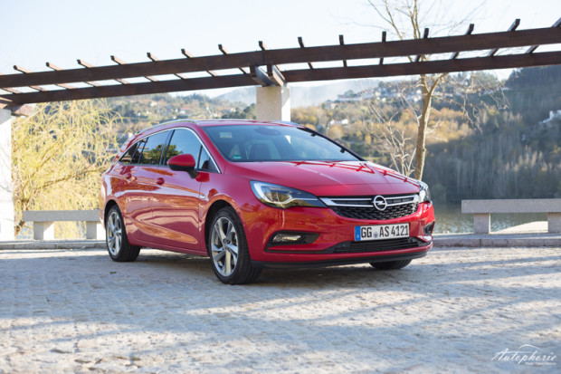 opel-astra-k-sports-tourer-rot-3