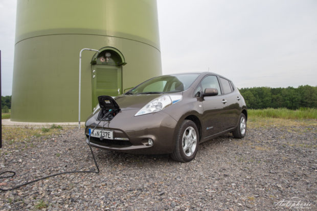 Nissan Leaf Elektrosäule