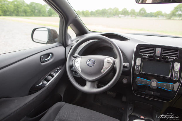Nissan Leaf Cockpit