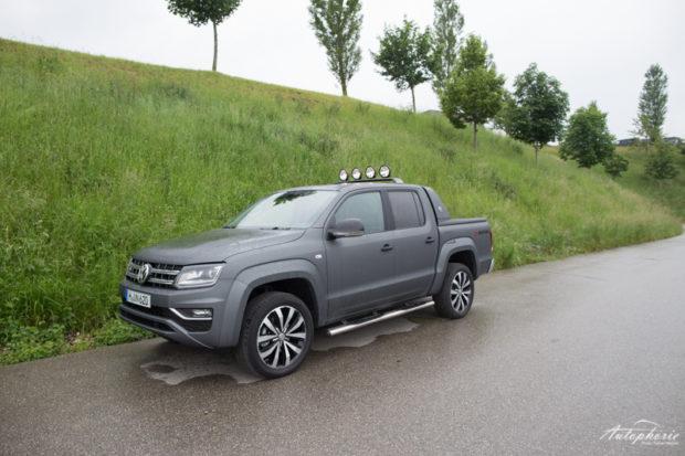 VW Amarok V6 TDI matt grau seitlich
