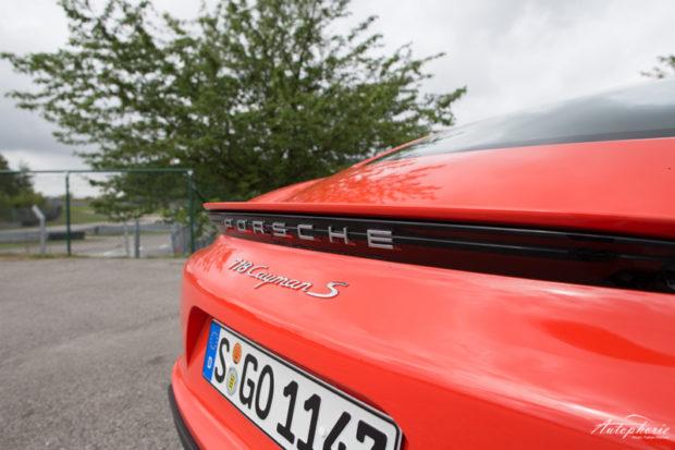 Porsche 718 Cayman S Schriftzug
