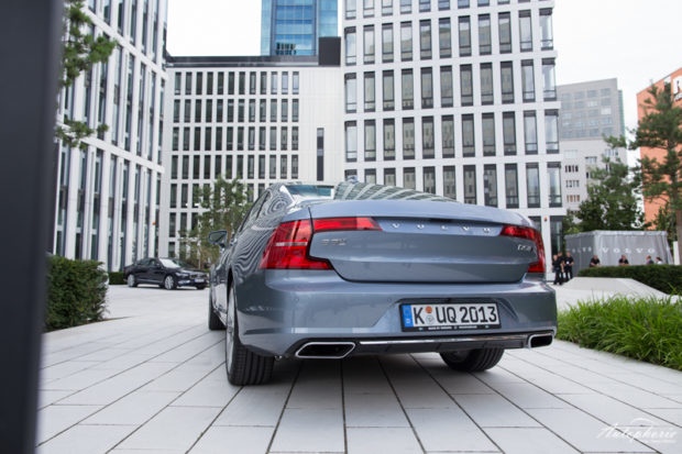 Volvo S90 D5 AWD Heck
