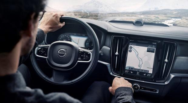Volvo V90 Cross Country Cockpit
