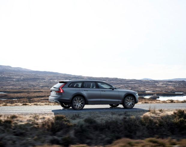 Volvo V90 Cross Country Fahrend