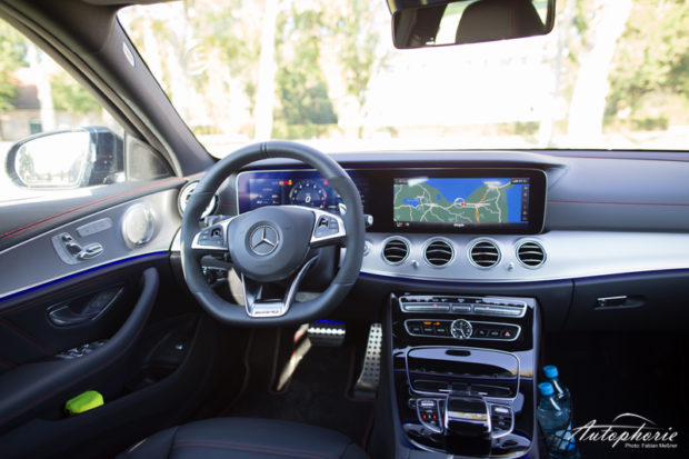 Mercedes-AMG E 43 4MATIC T-Modell S213 Cockpit