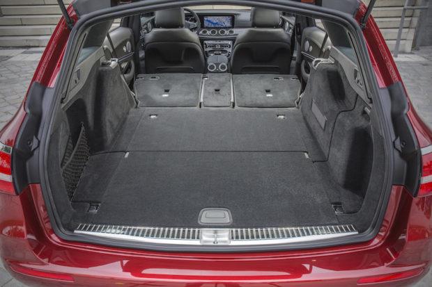 Mercedes-Benz E 220d T-Modell Kofferraum