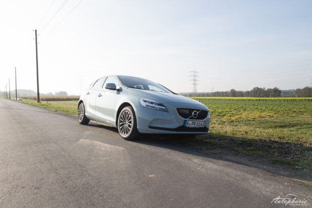Volvo V40 D3 Facelift Amazon Blau