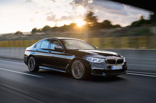 BMW M550i xDrive schwarz