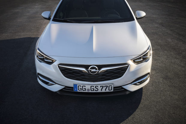 Opel Insignia Grand Sport Motorhaube