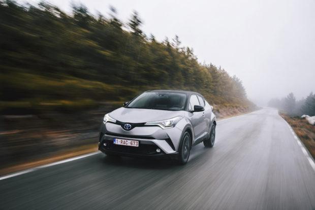Toyota C-HR Hybrid grau