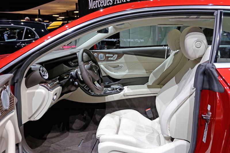 Sitzprobe im neuen mercedes benz e klasse coup c238 for Interieur neue a klasse