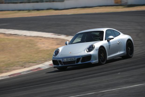 Porsche 911 GTS Rennstrecke