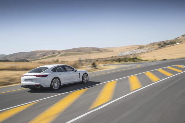 2017 Porsche Panamera 4 E-Hybrid grau-weiss Heck