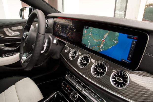 Mercedes-Benz C238 E400 4MATIC Coupé Cockpit