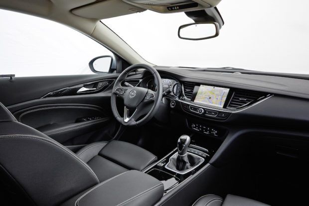 Opel Insignia Grand Sport Innenraum Cockpit
