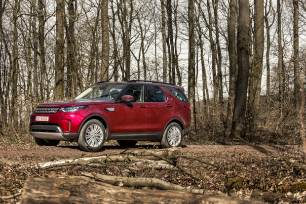 Land Rover Discovery 5 Weinrot