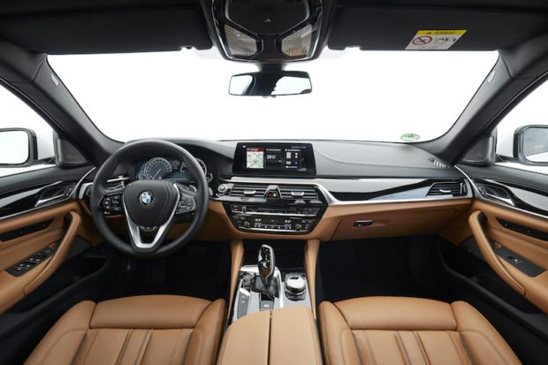 BMW 5er Touring Luxury Line Cockpit