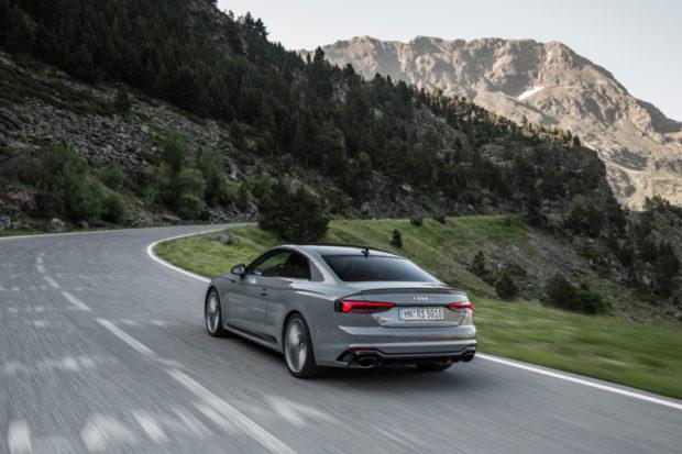 Audi RS5 grau