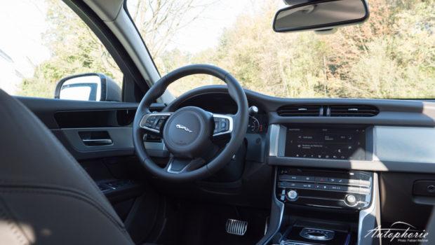 Jaguar XF 25d Portfolio Cockpit