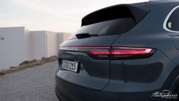 2018 Porsche Cayenne S Lichtband