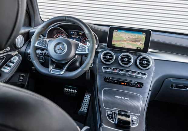 Mercedes-AMG GLC 63 S 4MATIC+ Cockpit