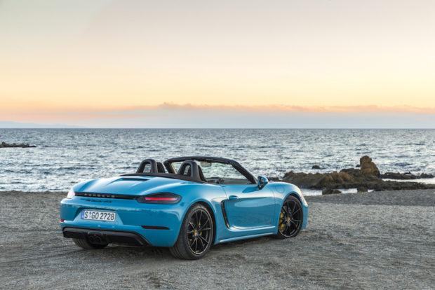 Porsche 718 GTS Miami Blue Heck