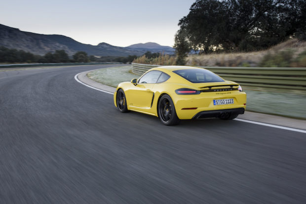 Porsche 718 GTS Cayman heck
