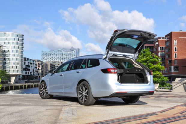 Opel Insignia Sports Tourer Kofferraum offen