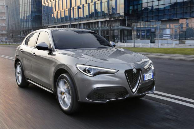 Alfa Romeo Stelvio grau