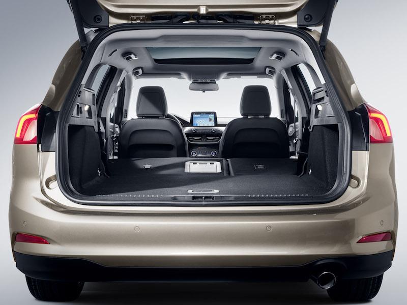 2018 ford focus turnier titanium kofferraum. Black Bedroom Furniture Sets. Home Design Ideas