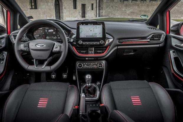 Ford Fiesta ST-Line rot schwarz Innenraum