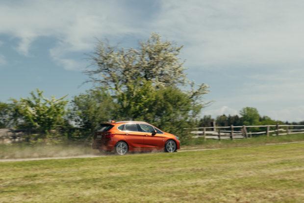 BMW 218i Active Tourer Sunset Orange