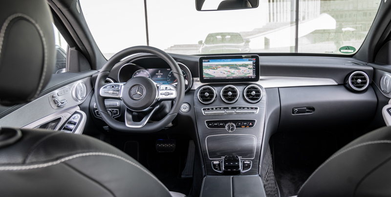 2018 Mercedes-Benz C-Klasse Cockpit