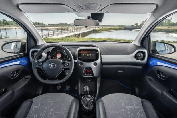 2018 Toyota Aygo x-clusiv Cockpit