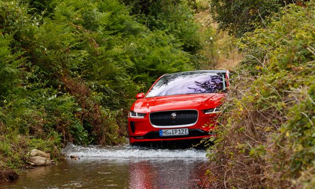 Jaguar I-Pace Wasser-Durchfahrt