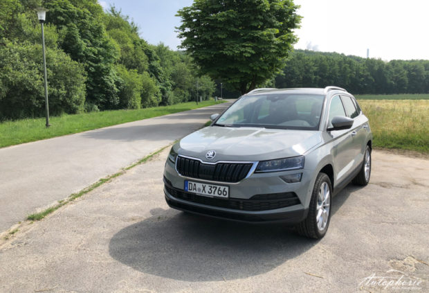skoda karoq 2 0 tdi 4x4 front. Black Bedroom Furniture Sets. Home Design Ideas