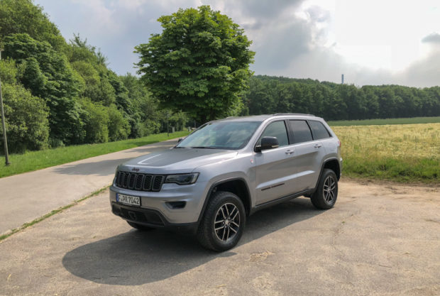 Jeep Grand Cherokee Trailhawk Front