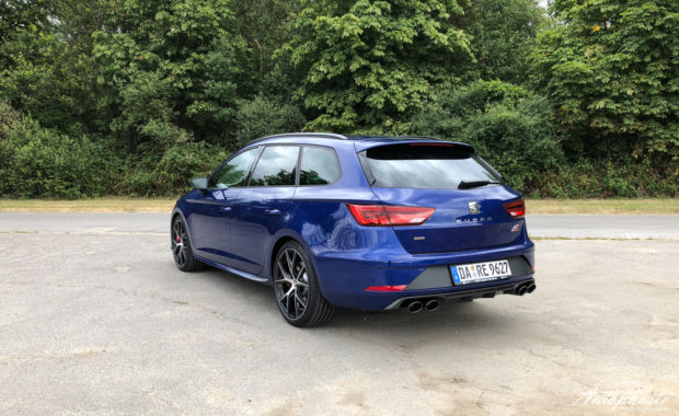Seat Leon ST Cupra 300 Carbon Edition Heck