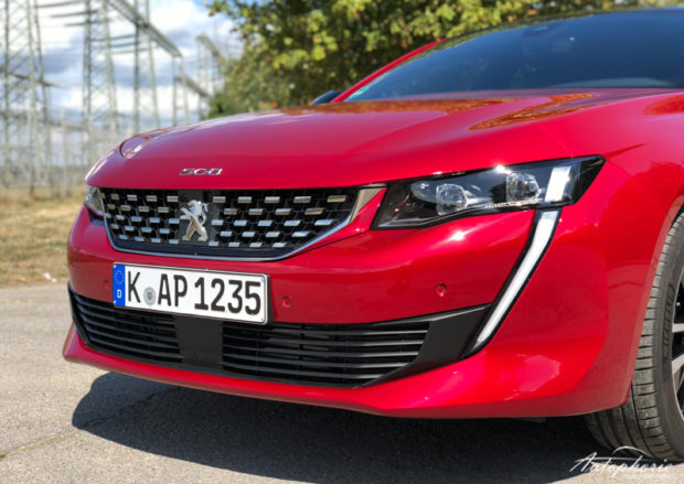 Peugeot 508 GT Grill LED Tagfahrlicht