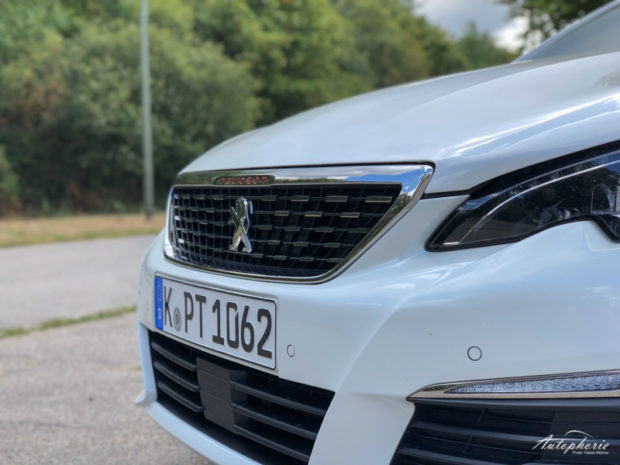 Peugeot 308 BlueHDI 130 GT Line Grill