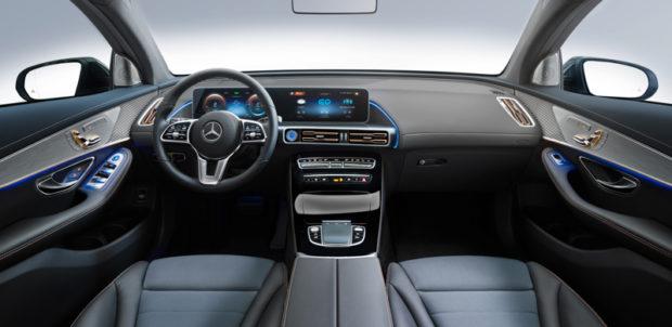 2019 Mercedes-Benz EQC Cockpit