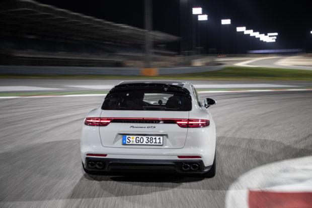 Panamera GTS Sport Turismo Kreide Heck