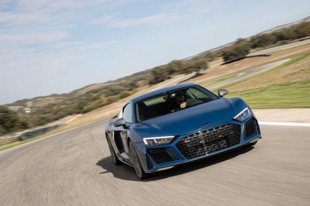 Audi R8 Ascari Blau