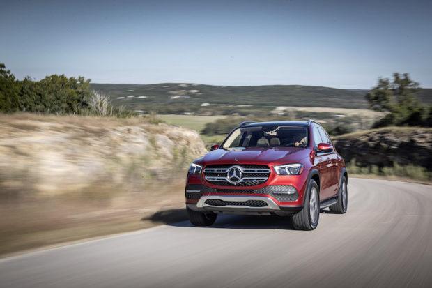Mercedes-Benz GLE 450 4MATIC hyazinthrot metallic fahrend