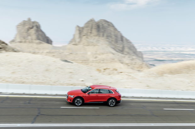 Audi e-tron 55 quattro Catalunyarot Draufsicht